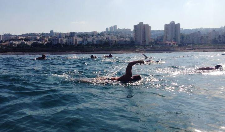 """שוחים ותורמים לרפואה (צילום: דוברות רמב""""ם)"""