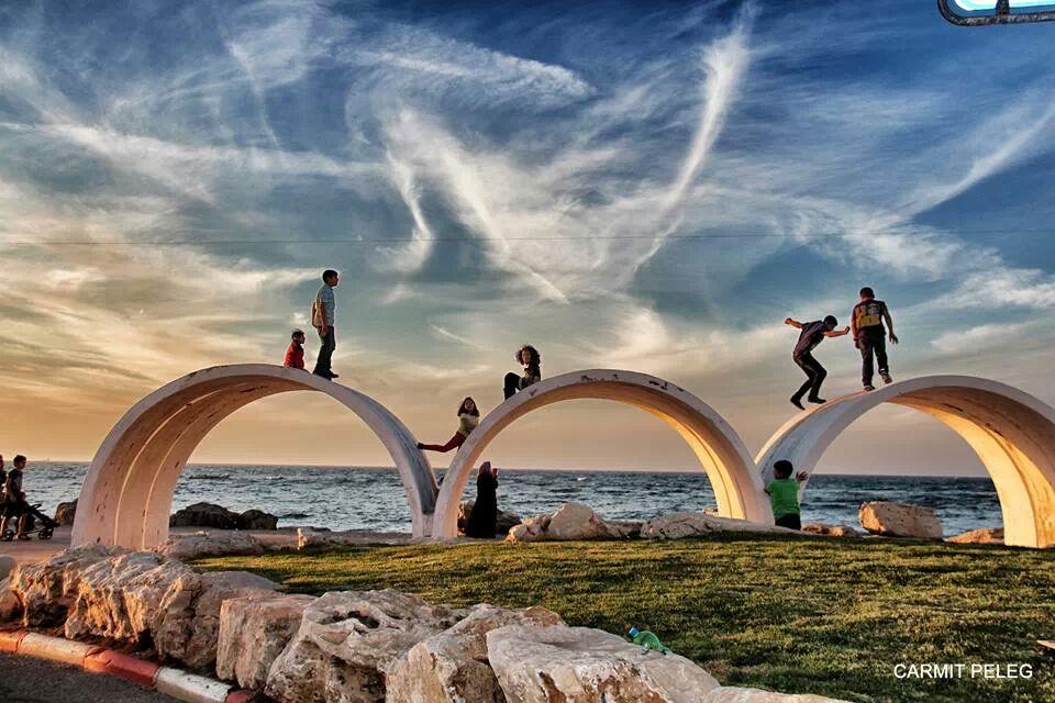 טיילת בת גלים (צילום: כרמית פלג)