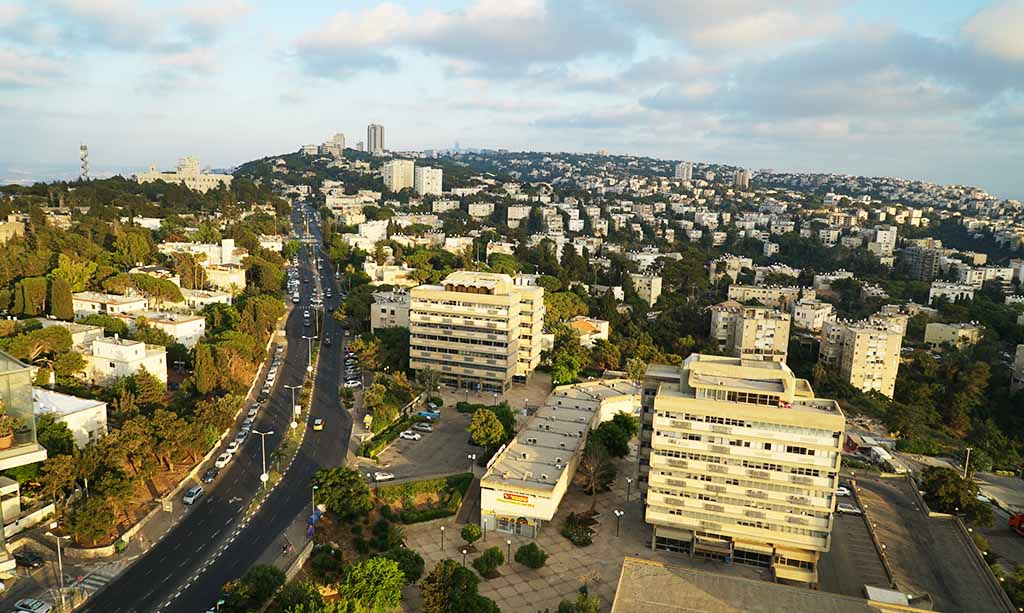 רחוב טשרניחובסקי - הכרמל הצרפתי בחיפה (צילום: ירון כרמי)