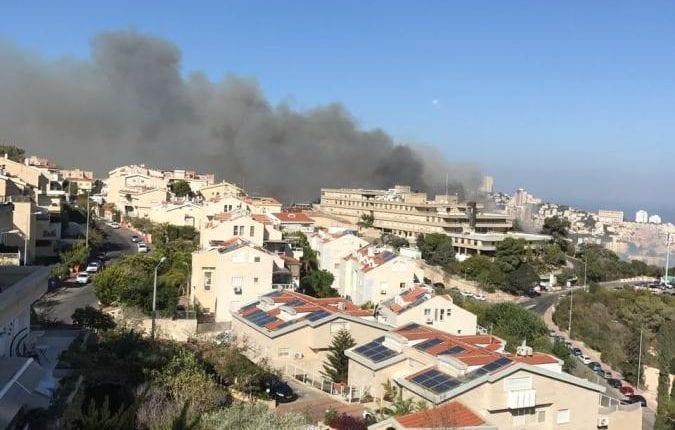 שרפת הענק בחיפה – התיעוד הנדיר של הדקה הראשונה. (צילום בלעדי לחי פה – ענת כהן)