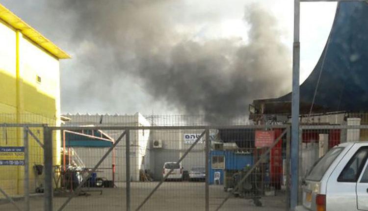 שרפה במפרץ חיפה. צילום – חן אגמי