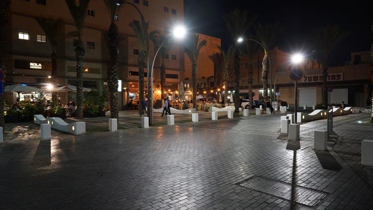 רחוב הנמל בחיפה (צילום - ירון כרמי)