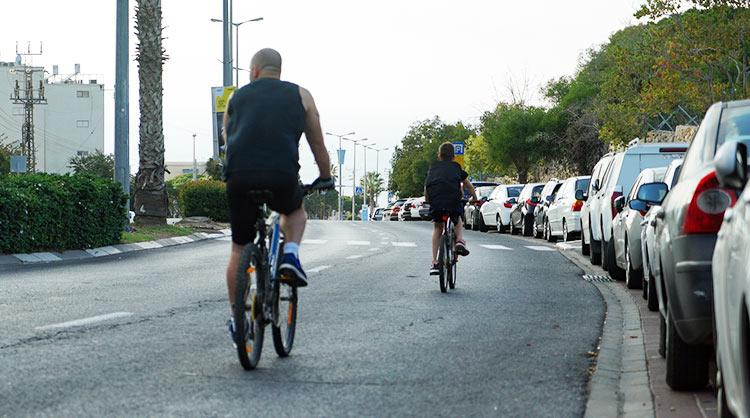 רוכבי אופניים ביום כיפור - הכרמל הצרפתי (צילום - ירון כרמי)