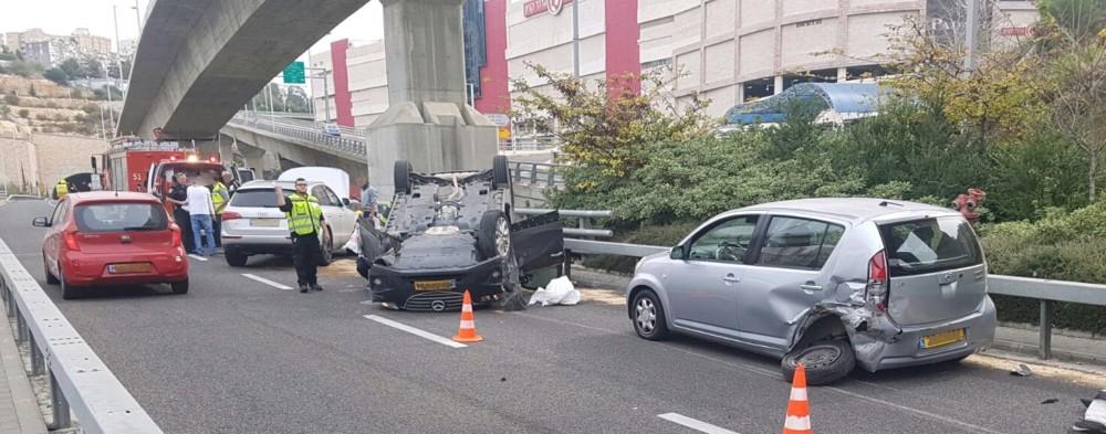 תאונה: תאונה במנהרות הכרמל - כבאות חוף כרמל