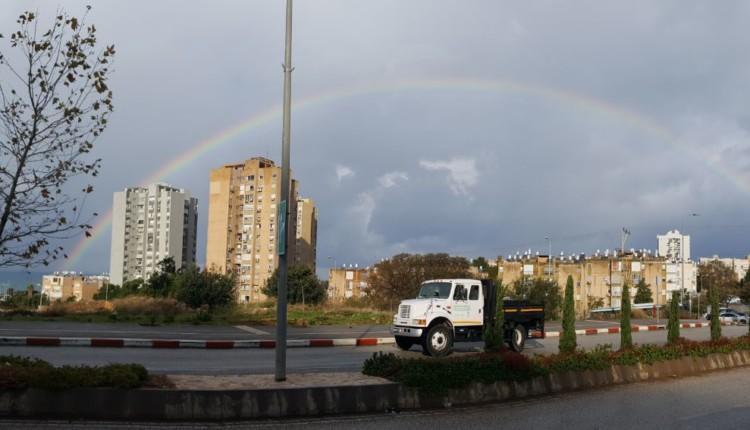 קשת מעל חיפה – מבט מרמת הנשיא (צילום – אלון מזרחי)