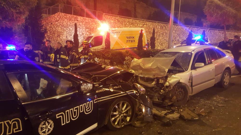 """תאונה: תאונה במהלך מרדף משטרתי אחר שב""""ח בנחל הגיבורים עם רכב"""