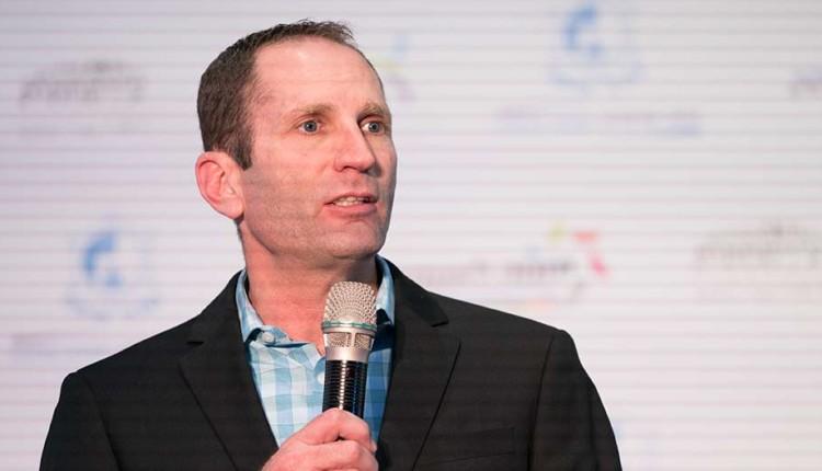 דן שוורצמן בכנס יוזמה לאומית עם אראל מרגלית – חיפה (צילום – ירון כרמי)