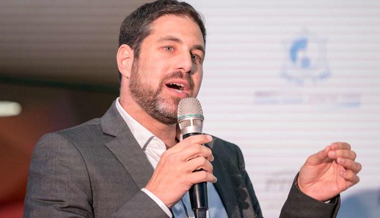 יוגב קציר בכנס יוזמה לאומית עם אראל מרגלית – חיפה (צילום – ירון כרמי)