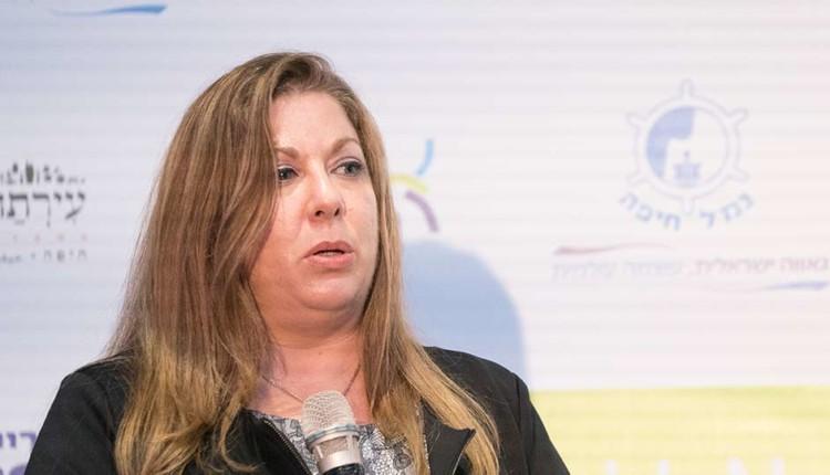 שילה אופק בכנס יוזמה לאומית עם אראל מרגלית – חיפה (צילום – ירון כרמי)