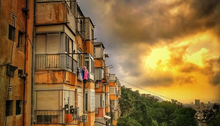 שקיעה בנתיב חן בחיפה (צילום – גלעד שטיין)