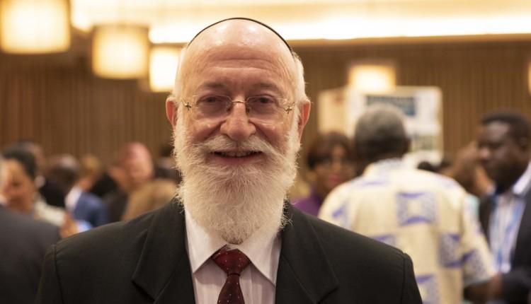 הרב דוד מצגר הגיע לכבד את הבהאים בכנס הבינלאומי (צילום – ירון כרמי)