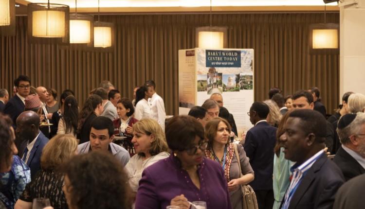 הבהאים מתכנסים במלון דן בחיפה (צילום – ירון כרמי)