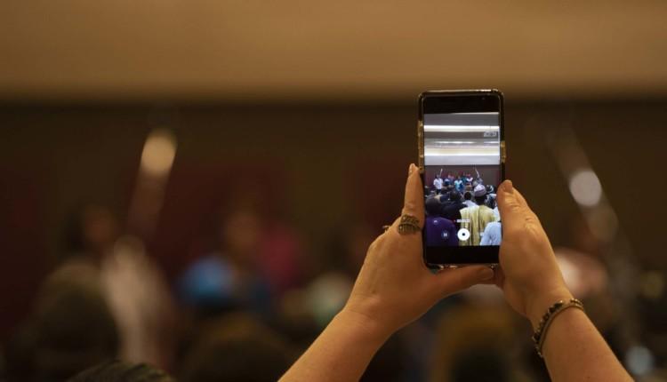 הזדמנות צילום בכנס הבהאים העולמי (צילום – ירון כרמי)