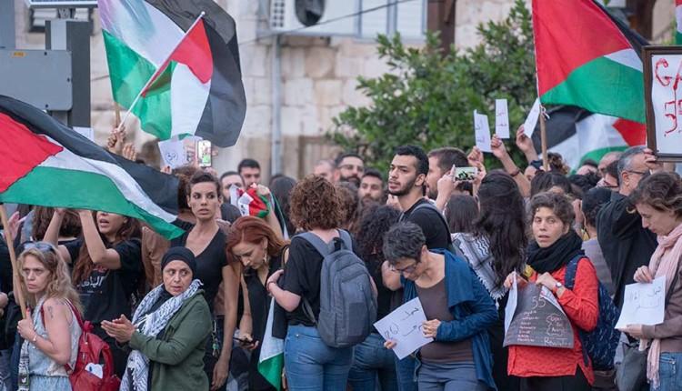 תומכים בחמאס, מגנים את ישראל – שדרות בן גוריון בחיפה 15/5/2018 (צילום – ירון כרמי)