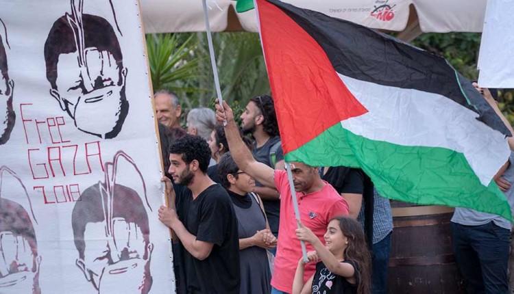 הפגנת תמיכה במחבלי החמאס – שדרות בן גוריון בחיפה 15/5/2018 (צילום – ירון כרמי)