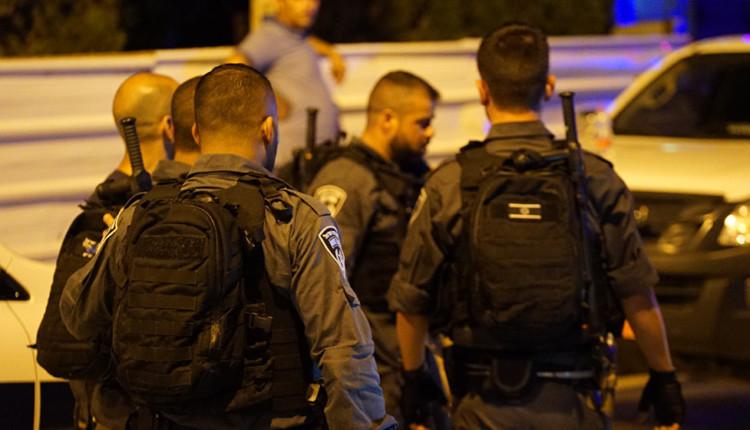 שוטרים המתמחים בניהול הפגנות (צילום – ירון כרמי)