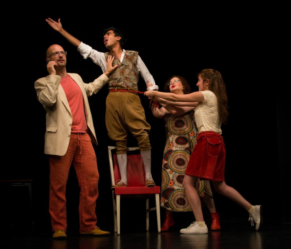 הצגת האופרה 'רוצה להיות זמר של אופרה' (צילום: יוס שטיבל)