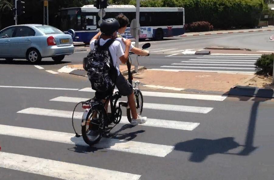 אופניים חשמליים • התמונה להמחשה   אין קשר לנאמר בכתבה (צילום: אור ירוק)