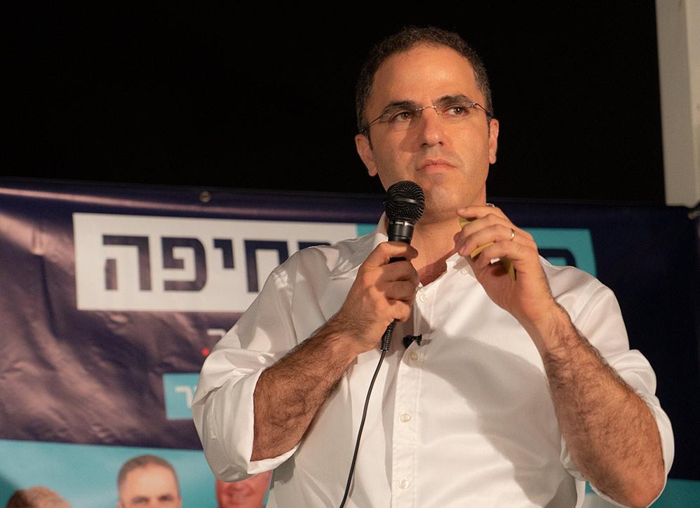 """עו""""ד בועז גור - יו""""ר סיעת מקומי בחיפה (צילום: ירון כרמי)"""