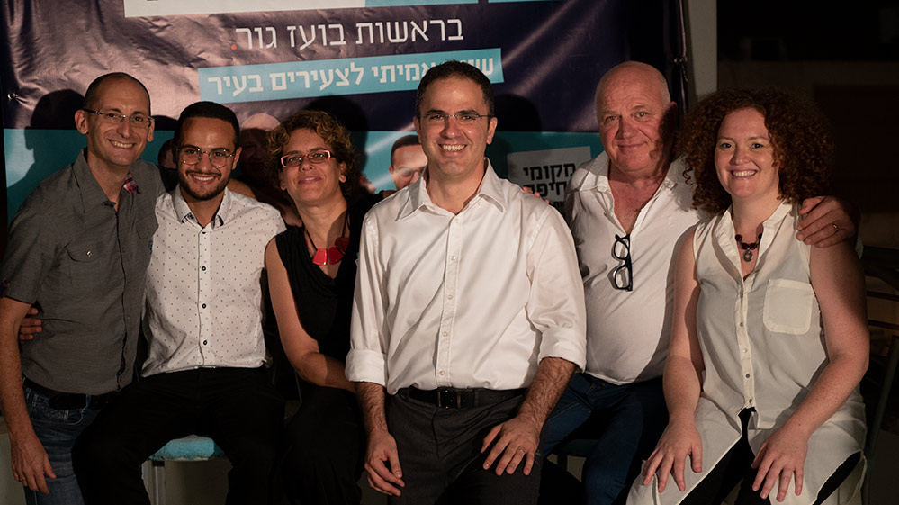 """חמשת המקומות הראשונים ברשימת """"מקומי בחיפה"""", מימין לשמאל: שני אלוני, אבישי כפיר, בועז גור, אלה אלכסנדרי, אדהם עודה וגיא פדה (צילום: ירון כרמי)"""