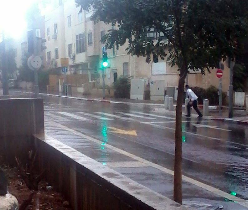 קוראי חי פה מצלמים את היורה בחיפה - מטחי גשם, הצפות וברקים - 21/10/2018 (צילום: אלירן שר)