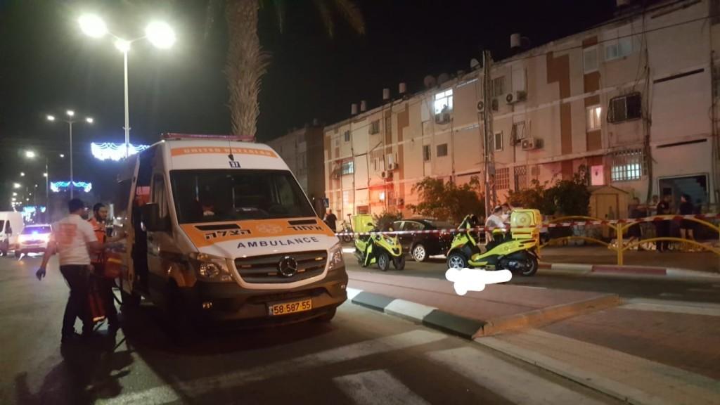 גבר נהרג כתוצאה מירי ברחוב הקוממיות בקריית ים - 6/10/2018 (צילום: איחוד הצלה כרמל)