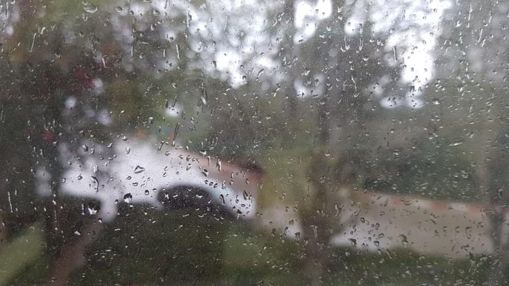 תמונה מהמשרד - קוראי חי פה מצלמים את היורה בחיפה - מטחי גשם, הצפות וברקים - 21/10/2018 (צילום: אופיר כהן)