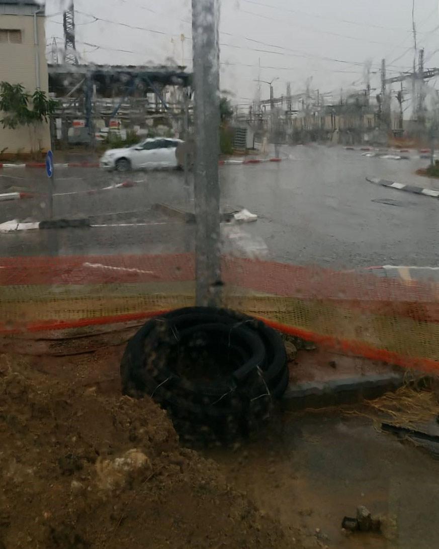 קוראי חי פה מצלמים את היורה בחיפה - מטחי גשם, הצפות וברקים - 21/10/2018 (צילום: סאמח אבו שקאר)