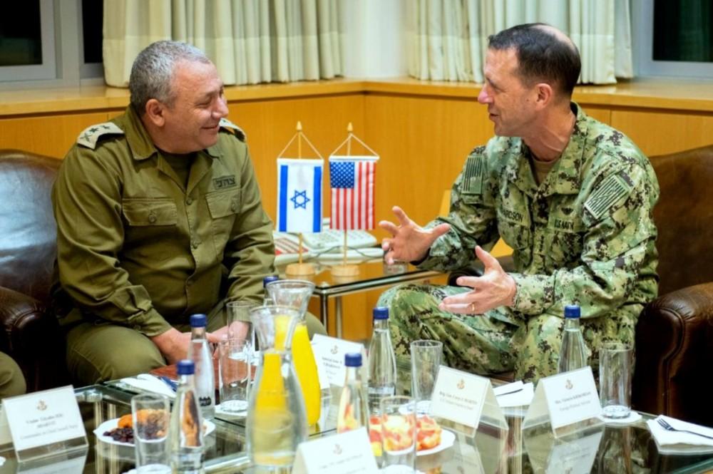 """אדמירל ריצ׳רדסון מפקד חיל הים האמריקאי בביקור בחיפה (צילום: דובר צה""""ל)"""