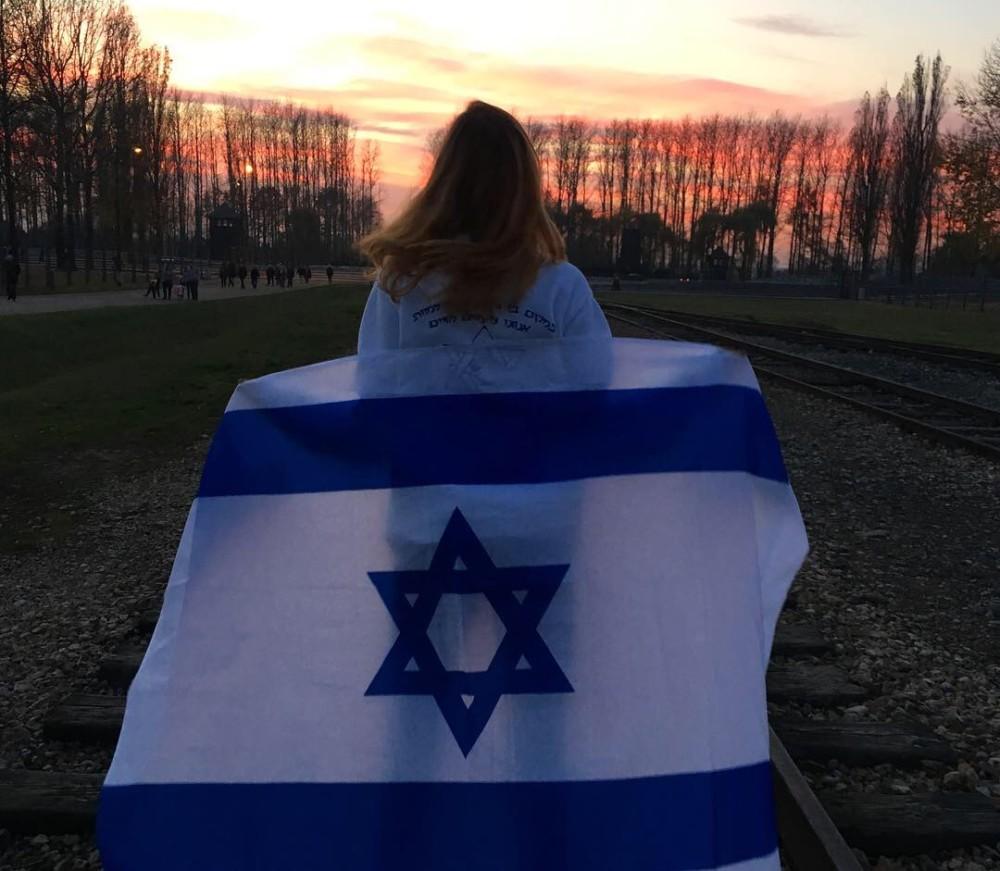 שי כרמי במהלך המסע לפולין - בית הספר ליאו באק מחיפה - נובמבר 2018 (צילום: אלבום אישי)