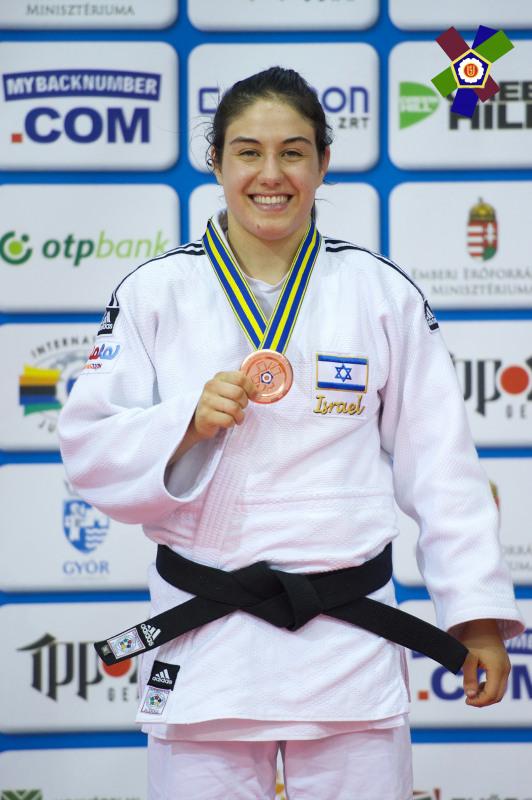 ענבל שמש שוב על הפודיום הפעם בהונגריה (צילום: European Judo Association)