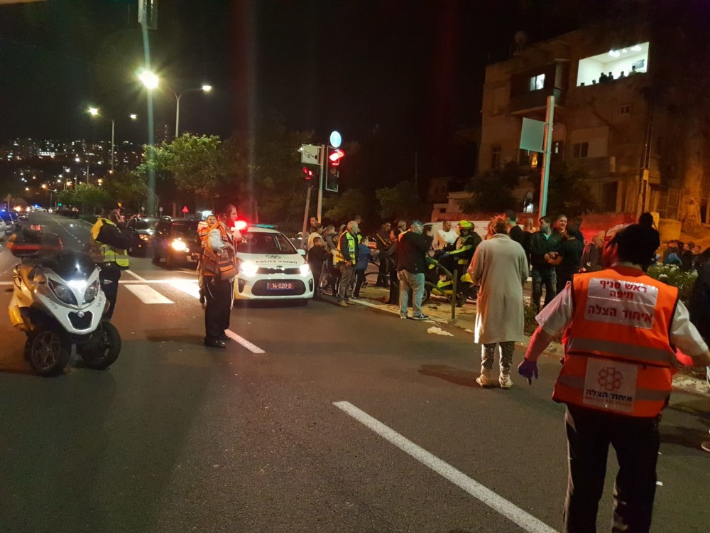 תאונת דרכים קשה ברחוב אבן גבירול בחיפה - 2/12/2018 (צילום: איחוד הצלה כרמל)