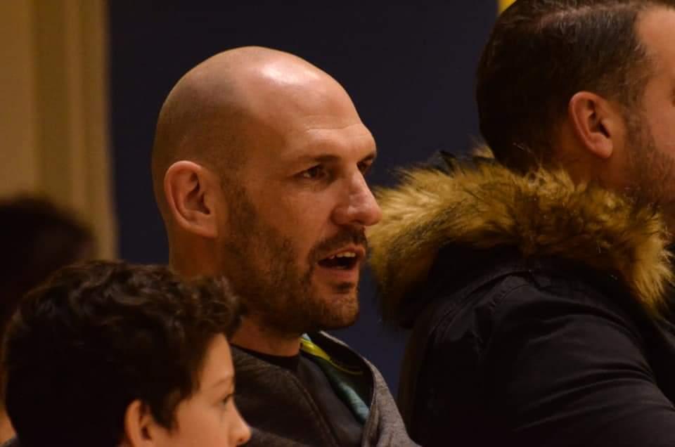 פעם כוכב של מכבי חיפה, היום מנהל בנוער של מוצקין, עידו קוז'יקרו במשחק בשישי(צילום: חגית אברהם)