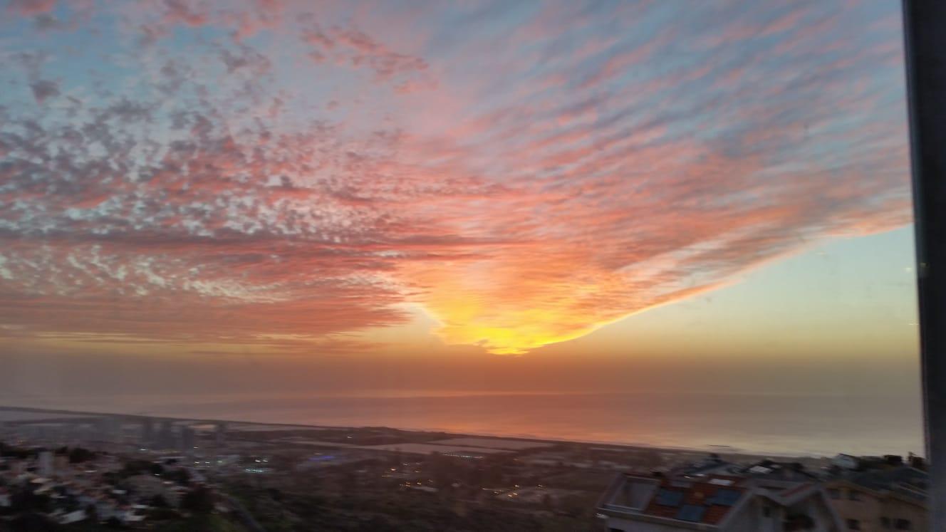 שקיעה זהב בחיפה: שבת 12/01/19 (צילום: מיקי גוטשלק)