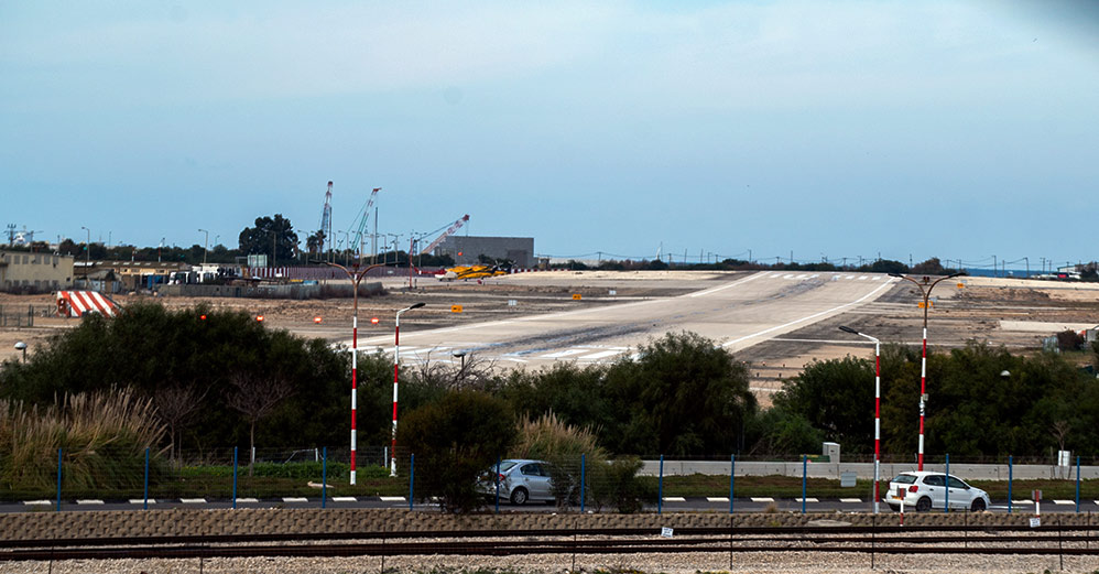 שדה התעופה של חיפה (צילום: ירון כרמי)