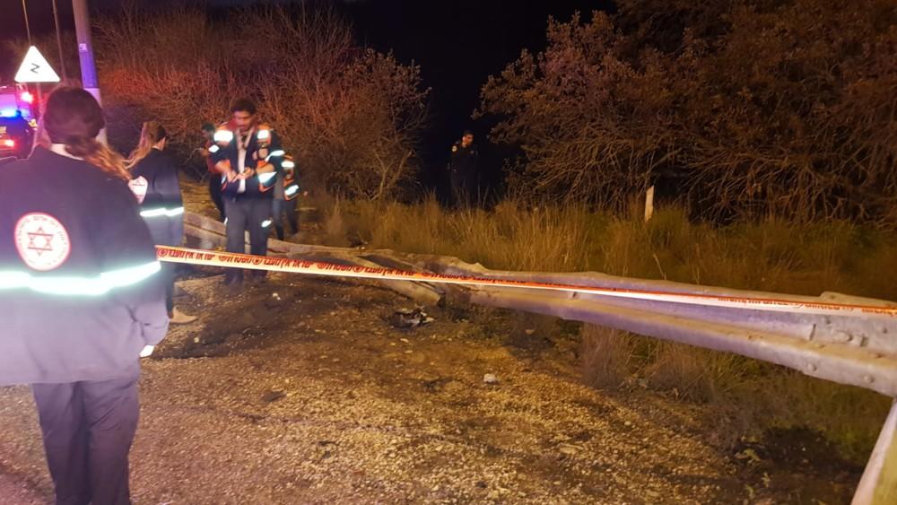 """גבר כבן 70 נהרג הערב בתאונת דרכים עצמית בכביש 7513 מבסמת טבעון לכיוון אלוני אבא (צילום: מד""""א כרמל)"""