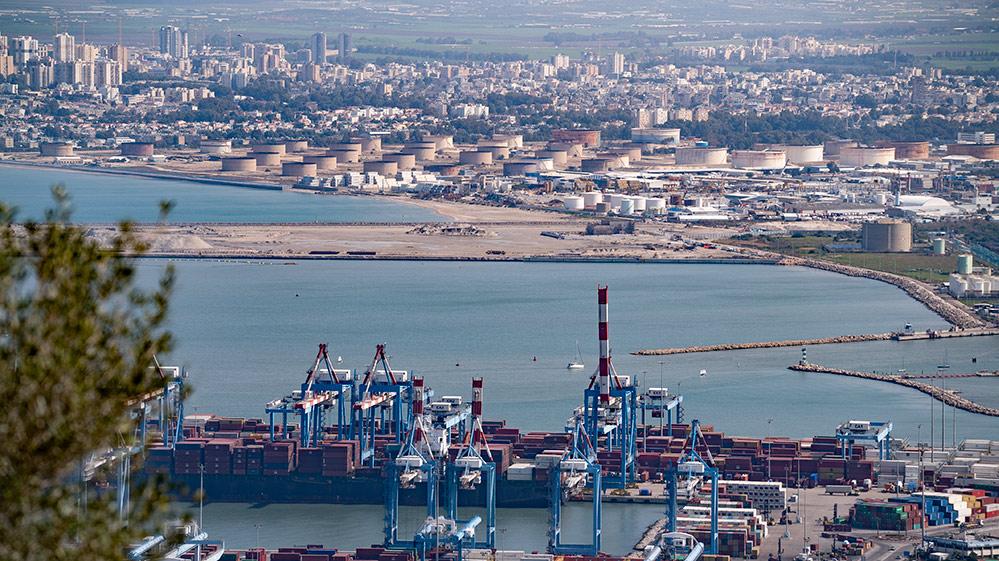 מפרץ חיפה חוות מיכלי תשן, נמל המפרץ (צילום: ירון כרמי)