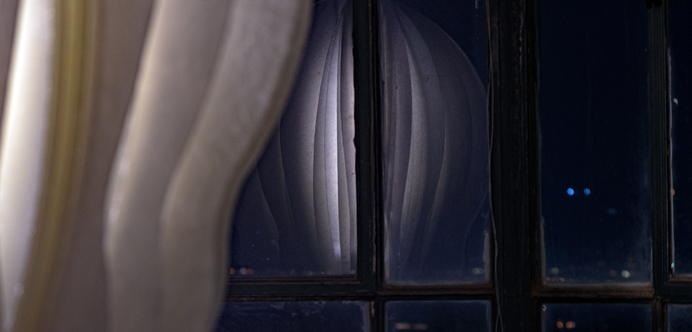 השתקפות כמו מגדלור בראש המגדל - נוף מרהיב ומיצג תאורה • קרן נחושתן (צילום: ירון כרמי)