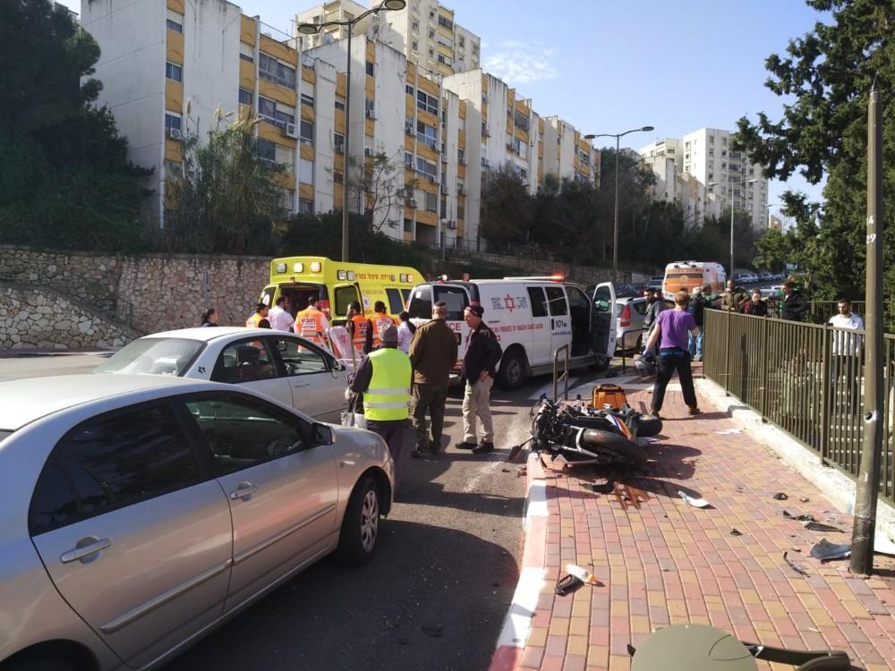 תאונת דרכים בנשר (צילום: איחוד הצלה כרמל)