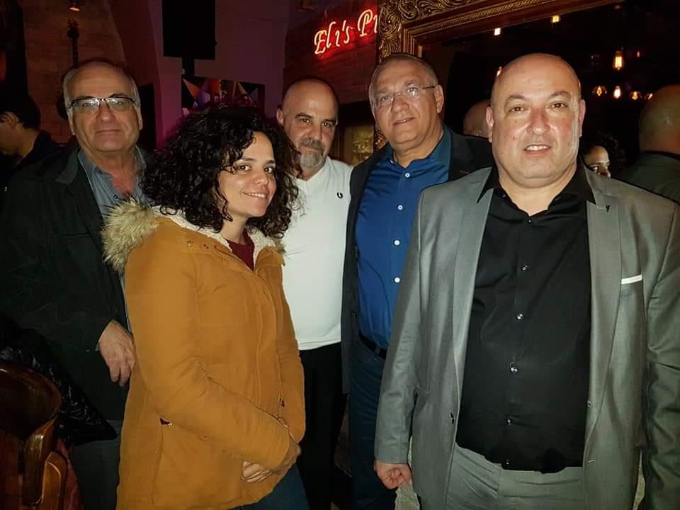 פרופסור איתמר גרוטו עם הירוקים של חיפה בכנס בנושא התחלואה (צילום: ירון חנן)