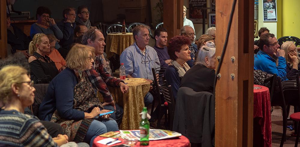 קהל בפאנל - פני העיר לאן - תאטרון הסטודיו - חיפה (צילום: ירון כרמי)
