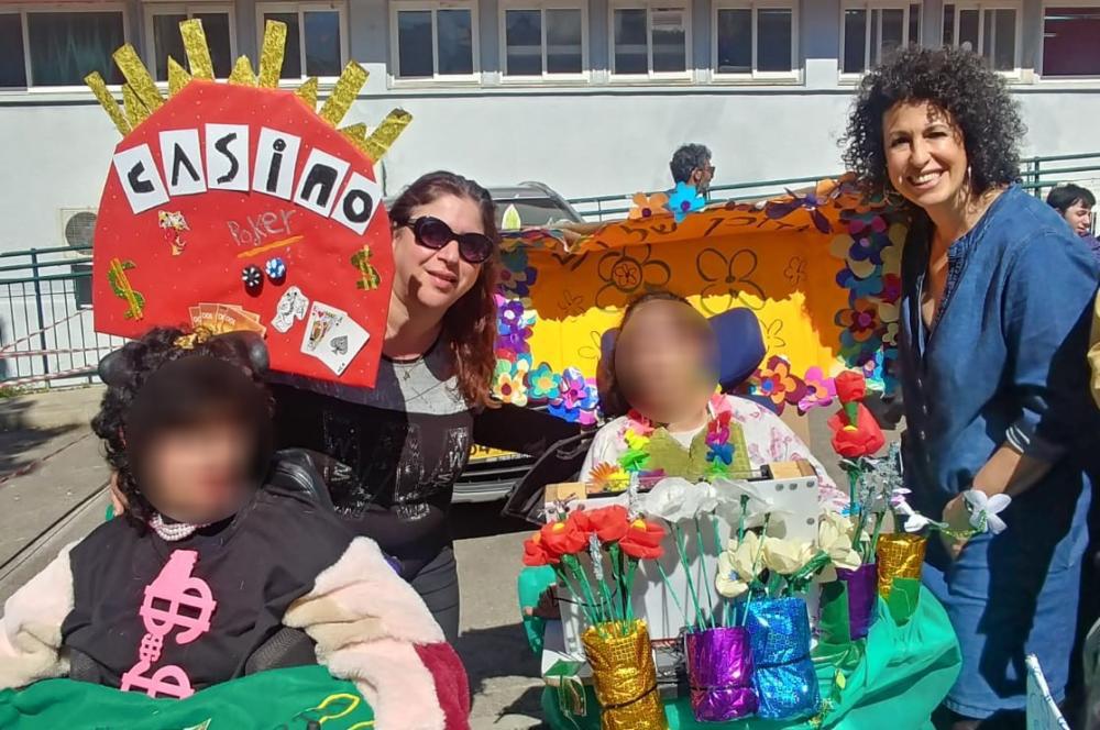 תחפושות מרהיבות של פורים בזכות כיסאות הגלגלים של תלמידי בית הספר לחינוך מיוחד אופקים בחיפה (צילום: הנהלת בית הספר)