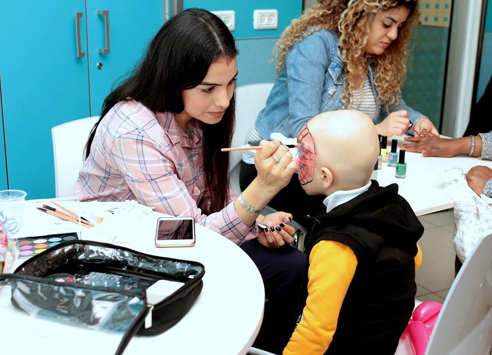 """הפנינג לילדים במח' אונקולוגיה ילדים בבית החולים רמב""""ם בחיפה (צילום: """"ארטיקגרפיקס"""" דניאל ושירה)"""