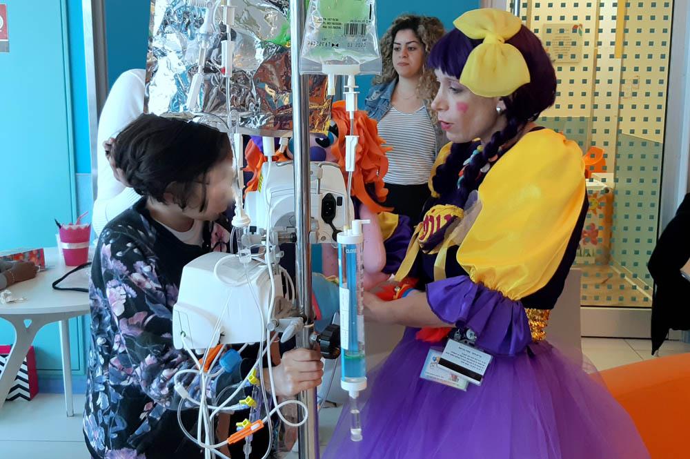 """חג הפורים - הפנינג לילדים במח' אונקולוגיה ילדים בבית החולים רמב""""ם בחיפה (צילום: """"ארטיקגרפיקס"""" דניאל ושירה)"""