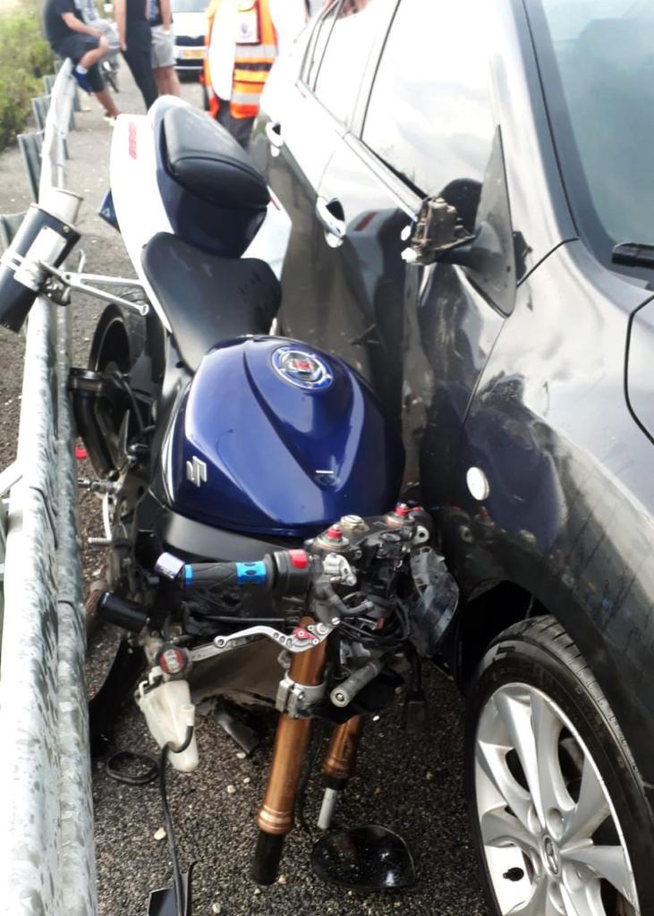 רוכב אופנוע נהרג בתאונה בסמוך למפעל דשנים בקרית אתא (צילום: איחוד הצלה)