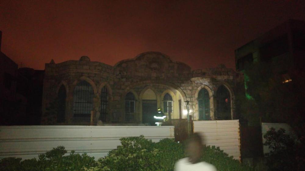 תקרה קרסה בבית חמאווי בחיפה (צילום: גל דדוש)