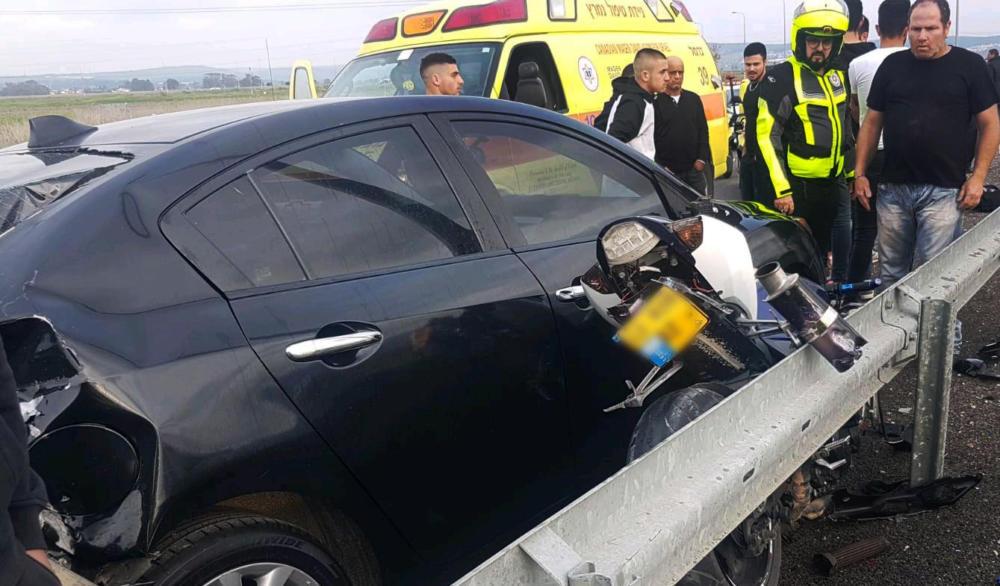 """רוכב אופנוע נהרג בתאונה בסמוך למפעל דשנים בקרית אתא (צילום: מד""""א)"""