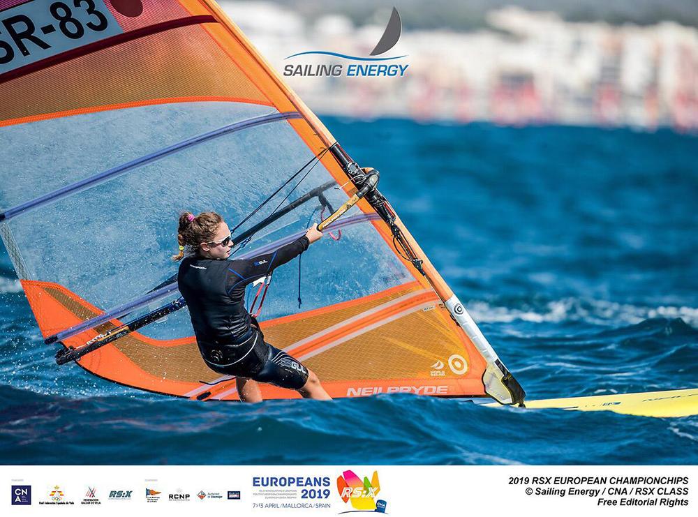 נעמה גזית מחיפה היא אלופת אירופה בשייט בגלשני RSX האולימפיים לנוער 2019 (צילום: צלם התחרות)