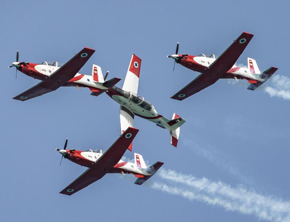 מטוסים יום העצמאות, חזרה גנרלית של הצוות האווירובטי של חיל האוויר מעל חוף דדו (צילום: אנתוני הרשקו )