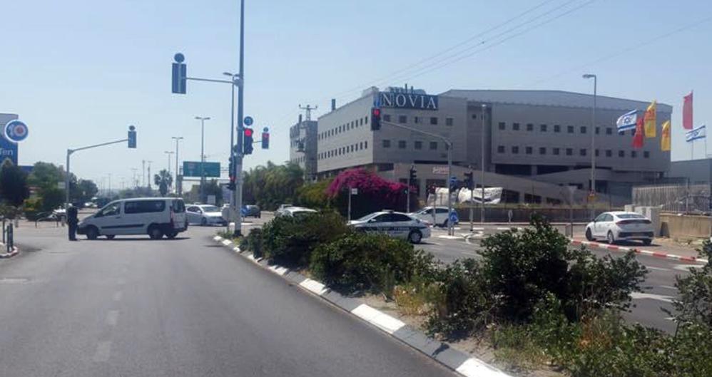 חסימת צומת במפרץ חיפה בעקבות דליפת הגז (צילום: חי פה)